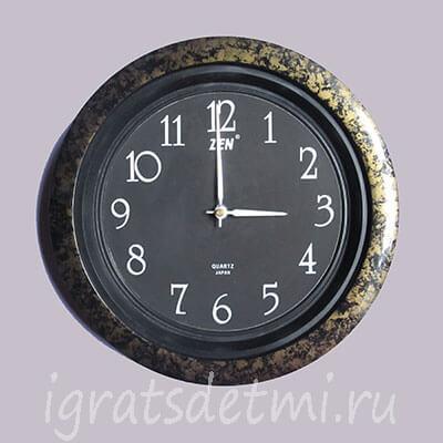 Второй макет часов - старые настенные часы