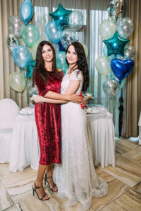 Наши дочери на свадьбе младшей