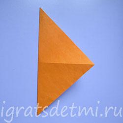 Треугольник, полученный после сгиба квадрата по диагонали