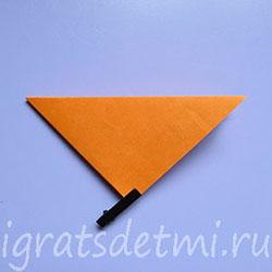 Сгибаем квадрат по диагонали